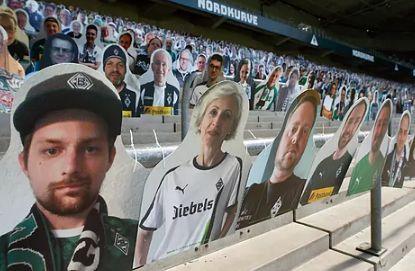Vuelve la Bundesliga, con hinchas de cartón en algunas gradas