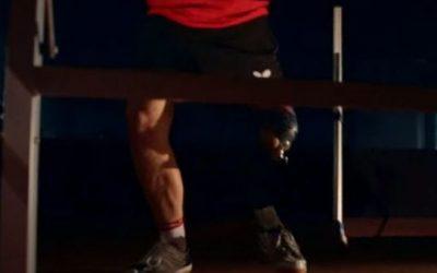 Viktor Didukh, el paralímpico que juega el circuito profesional de tenis de mesa con una muleta y una pierna ortopédica