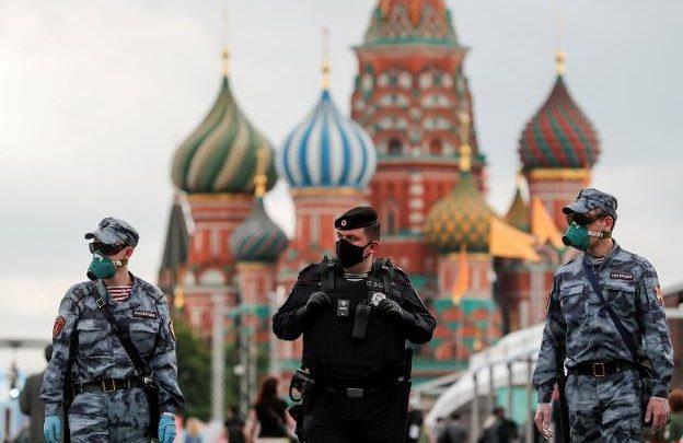 Rusia ultima una mascarilla que se podrá usar durante años