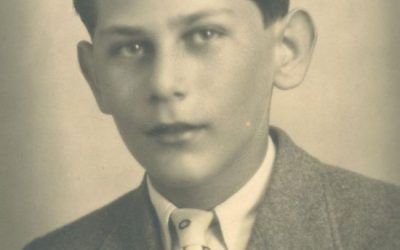 Una víctima del holocausto aparece en una foto de Auschwitz con una insignia de la Real Sociedad