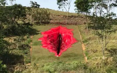 La escultura gigante de una vulva desata la polémica en Brasil